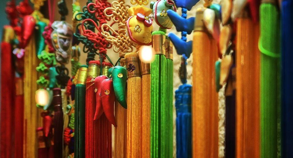 Nodi ornamentali e lavorazione della giada