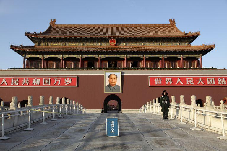 Tian'an men, una delle più importanti mete da visitare per la sua importanza storica.
